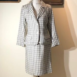 New Taylor Made Women's Two Pieces Suit Black/Whit